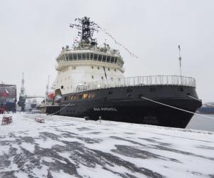 30 ноября 2017 года Подъем флага на ледоколе нового поколения проекта 21180